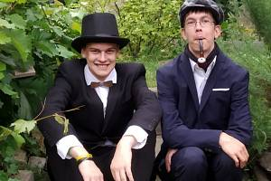 Módní přehlídky se zúčastní i Sherlock Holmes a jeho věrný doktor Watson. Foto: Vladimíra Valová