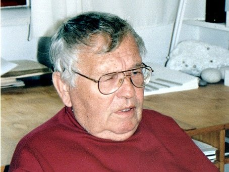 Ladislav Novák v ateliéru Emanuela Ranného v Třebíči v pátek 23. července 1999, pět dnů před smrtí.