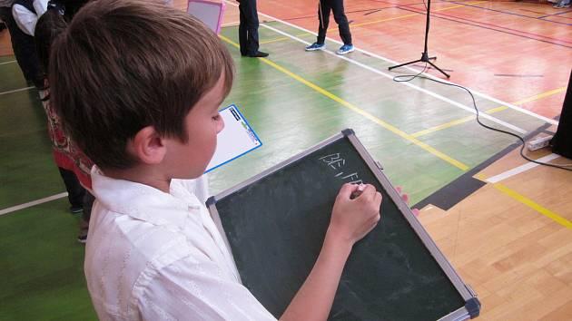 Školní akademie ke 100. výročí založení republiky.