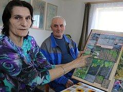 Alena a Miroslav Chalupovi založili v roce 2007 vinohrad v Bohdalci na Žďársku.