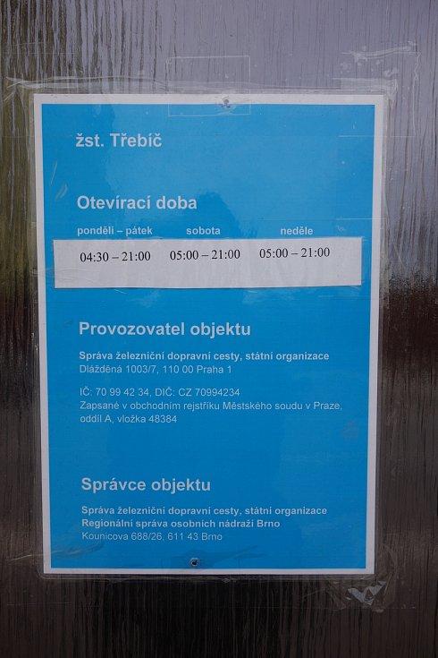 Vlakové nádraží v Třebíči. Otevírací doba výpravní haly.