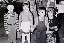 Tentokrát bude kvidění I.díl snímků z dětského karnevalu vBorovině vroce 1980.