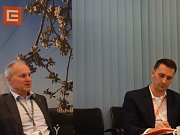 Ředitel dukovanské jaderné elektrárny Miloš Štěpanovský (vlevo) a šéf divize jaderná energetika ČEZ Bohdan Zronek