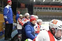Ponaučení hrát od začátku si musí podle slov kouče Radka Nováka vzít hokejoví starší dorostenci Horácké Slavie Třebíč z porážky, kterou utrpěli na domácím ledě od Chrudimi.