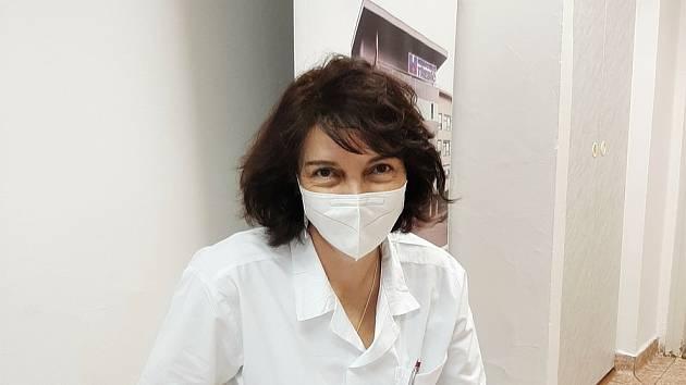 Lékařka se z Německa vrátila do třebíčské nemocnice, 17 doktorů je v karanténě