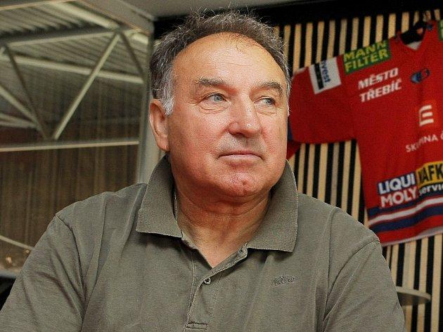 Karel Čapek působí v Třebíči od roku 1982.