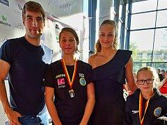 Nečekaná žeň čekala třebíčské plavce na podzimní ceně Motorletu, zleva David Svoboda, Sára Doležalová, Barbora Seemanová a Marie Magdalena Davidová.