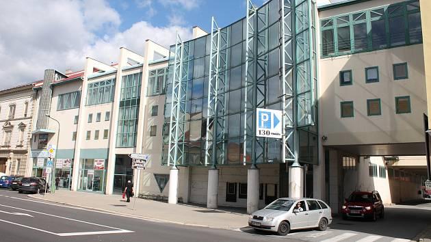 Současný stav obchodního domu v centru Třebíče v ulici S. Osovského, kde bývala Delvita a posléze Billa.
