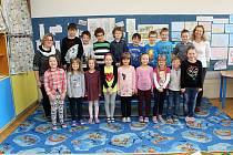 Na fotografii jsou prvňáčci ze Základní školy Benešova v Třebíči, třída 1. D paní učitelky Dity Vomelové.