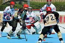 Hokejbalisté přibyslavické Slzy by si rádi zahráli s Jihlavou. Tu chtějí pozvat do Okříšek.