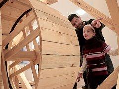 Cesty časem se jmenuje zbrusu nová interaktivní expozice, kterou ve středu otevřeli v předzámčí v Třebíči.