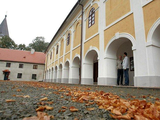 Starosta Josef Kula může být právem pyšný. Generální rekonstrukce zámku a přestavba areálu je zcela jistě jedna z nejvýznamnějších událostí v novodobých dějinách městyse.