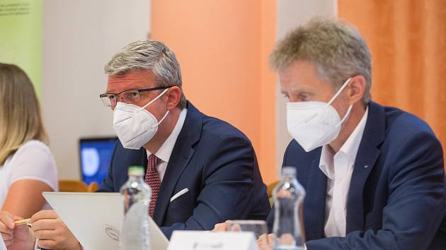 Jednání sdružení Energoregion svolalo, protože podle nich přibývá otazníků, zda bude tendr na dostavbu Dukovan opravdu vypsaný