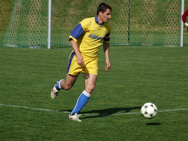 Fotbalisté Rudíkova-Trnavy si poradili ve šlágru 23. kola okresního přeboru s ambiciózní Rokytnicí, kterou vyprovodili čtyřmi góly.