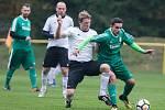 Jsou už jen krůček od nečekaného triumfu. Fotbalisté Rapotic (v zeleném) se ve finále krajského poháru utkají s Novou Vsí.