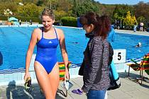 Členka Klubu ledních medvědů Andrea Klementová po závodech ve Slavkově u Brna. V čtrnáctistupňové vodě plavala 500 metrů a obsadila druhé místo.