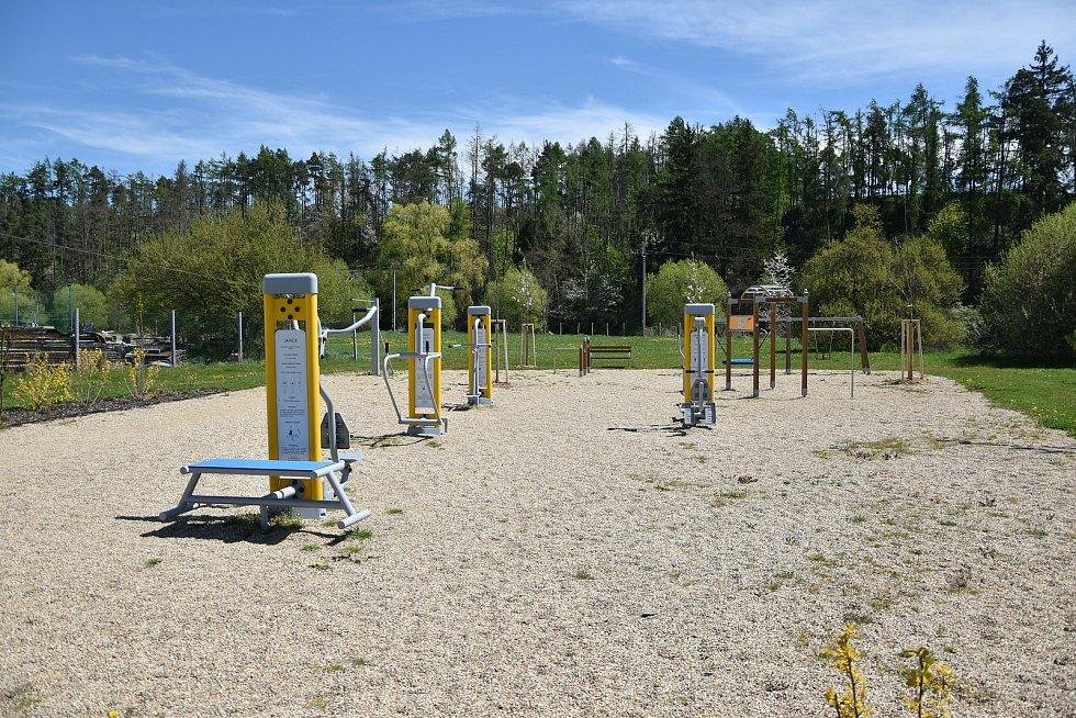Před několika lety se obci podařilo vybudovat nové workoutové hřiště.