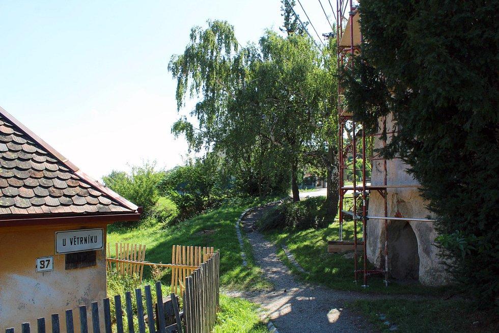 Třebíčský větrník na Kanciborku.