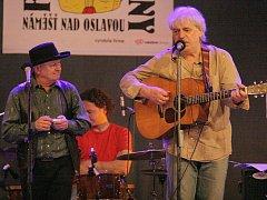 Folkové prázdniny v Náměšti nad Oslavou byly přehlídkou světové hudby.