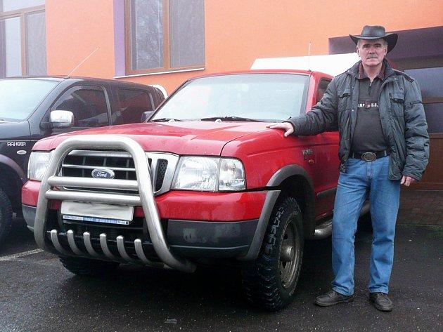 Miloš Popelka z Přešovic a jeho turbodiesel o obsahu 2.5 litrů Ford Ranger.
