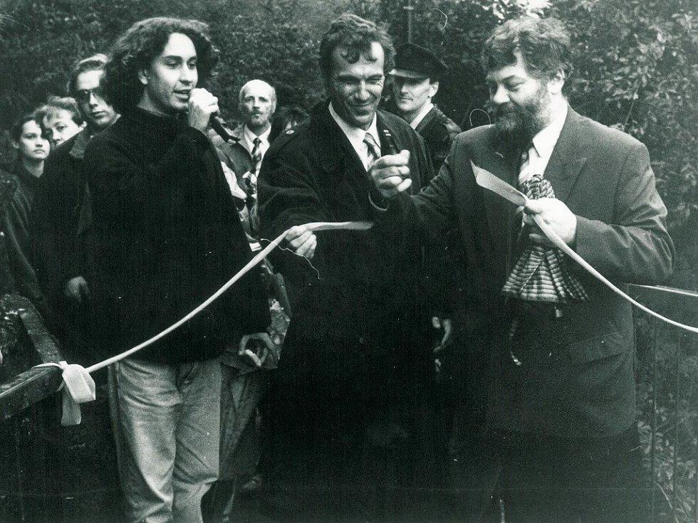 Slavnostně byla otevřena také lávka z Hasskovy zahrady do židovské čtvrti.