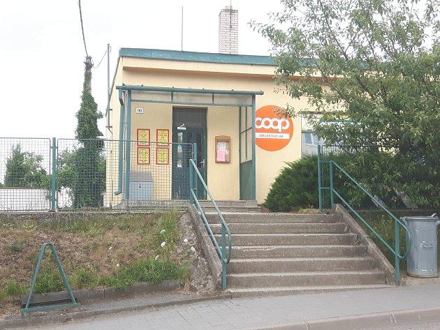 Prodejna v Petrovicích.