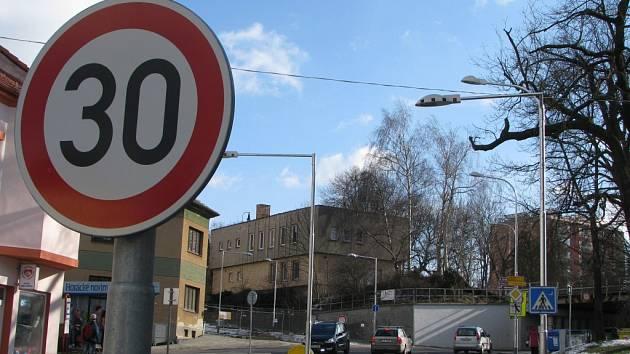 Křižovatka ulic Nádražní a Znojemská se po otevření dočká nových bezpečnostních prvků.