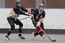 Hokejbalisté přibyslavické Slzy s derby Vysočiny prohrávali, ale zabrali, vynutili si samostatné nájezdy, ve kterých jihlavské Flyers nakonec porazili.