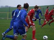 Šlágr 13. kola mezi Blatnicí (v modrém) a Třebelovicemi (v červeném) rozhodly standardní situace.