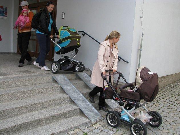 S kočárkem na úřad, tak zněl název akce, kterou pro maminky připravilo Třebíčské centrum.