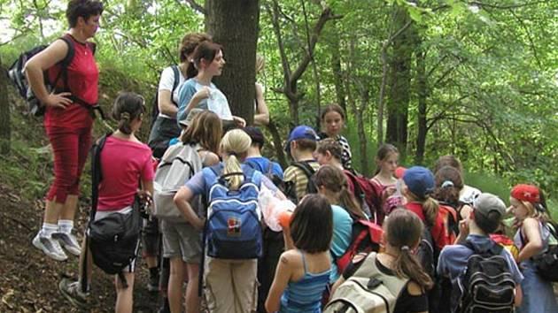 Mladší školní děti na Vysočině poznávají při školních výletech hlavně vlastní kraj.