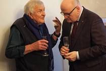 Malíř Franta obdržel cenu od ministra kultury.
