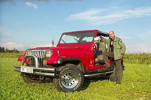 Petr Jakoubek a jeho Jeep Wrangler první generace, vyrobený v roce 1991.
