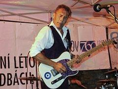 Willa Johnse, který je v Česku poprvé, je nyní možno vidět a slyšet v českých klubech. V uplynulém týdnu koncertoval spolu s českými muzikanty v Přerově.