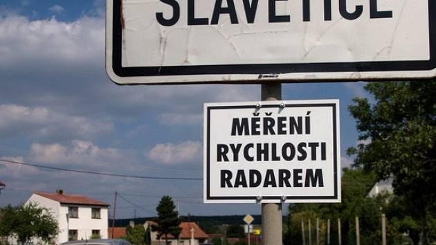 Měření radarem ve Slavěticích.