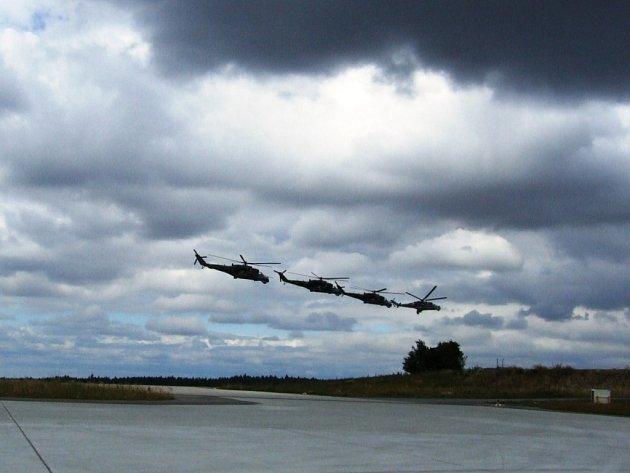 Přílet vrtulníků z Přerova.
