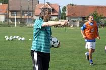 Jen slova chvály na adresu třebenických fotbalistů měl trenér pražských Bohemians 1905 Jozef Weber.
