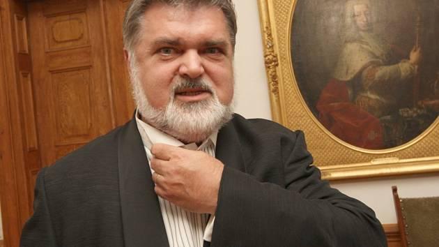 Peter Dvorský byl hospitalizován se zápalem plic v nemocnici, ve Žďáře nevystoupí.