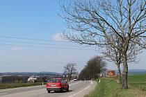 Mezi Mělkovicemi a Žďárem nad Sázavou začnou v pondělí dělníci frézovat vozovku, aby tam sdružení firem IDS a Eurovia mohlo dokončit reklamační opravu. Úplně uzavřená bude silnice od 24. dubna do 1. května.