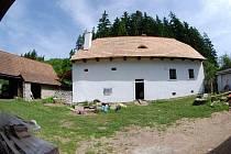 Šlakhamr nacházející se poblíž řeky Sázavy u obce Hamry nad Sázavou se zájemcům otevře pravděpodobně již v červnu roku 2011. Stavebně je objekt pocházející ze 14. století dokončen – počátkem letošního listopadu byl i zkoluadován.