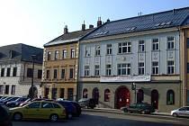 éměř jeden rok od zahájení stavby Galerie Nový Svit ve Velkém Meziříčí se chystá její slavnostní otevření.