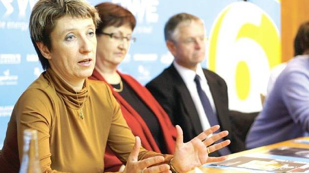 Jana Volná, vedoucí intervenčního centra v Jihlavě, mnohé svým vyprávěním o domácím násilí šokovala.