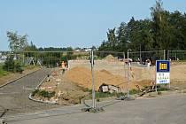 Skatepark vzniká ve sportovní zóně za zimním stadionem.