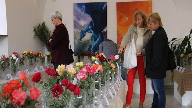Růže jsou ve Staré radnici k vidění po celý víkend.