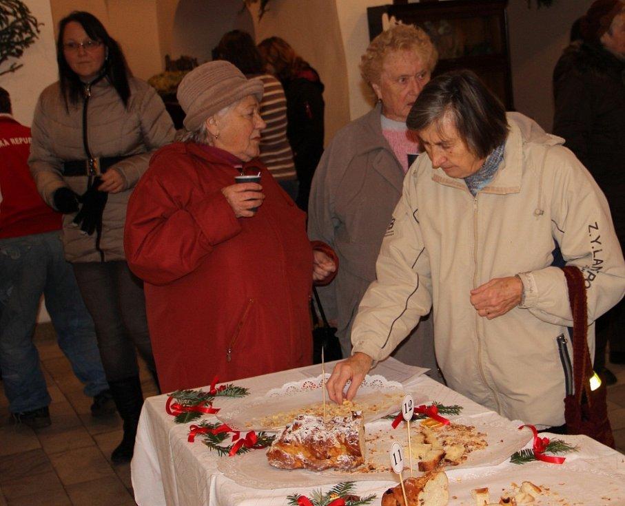 Soutěž o Nejlepší vánočku v Bystřici nad Pernštejnem.