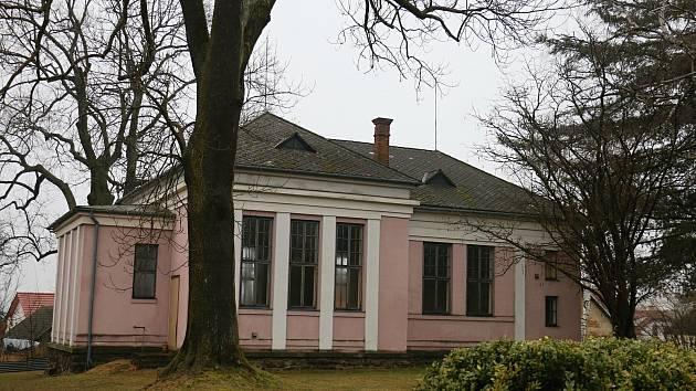 Blažkovský evangelický kostel byl postavený ve dvacátých letech minulého století.