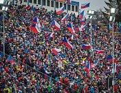 Závod s hromadným startem na 15 km mužů v rámci Světového poháru v biatlonu.