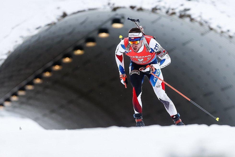 Michal Krčmář v závodu Světového poháru v biatlonu - štafeta 4 x 7,5 km mužů.