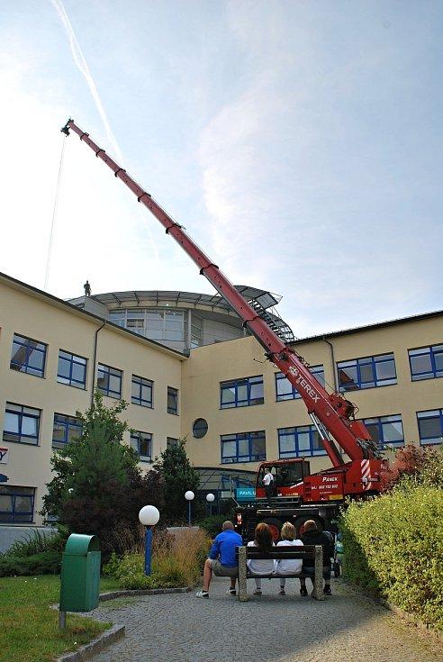 Heliport v novoměstské nemocnici začnou vrtulníky opět využívat v polovině října.
