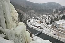 Čtyřicetimetrová ledová stěna ve Víru je uměle vytvořený ledopád na skále nad řekou Svratkou. Je uznána jako cvičný terén Českého horolezeckého svazu.